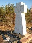 Русское Село, кладбище солдат 1-й мировой войны: памятник павшим воинам, 2002 г.