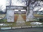 Пинск, кладбище солдат 1-й мировой войны: брама и ограда, 1-я пол. XX в.