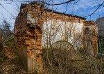 Душково, усадьба: хозпостройка (руины стены), XIX-нач. XX вв.