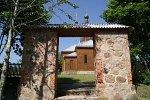 Киевец, церковь: брама (руины)