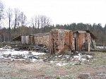 Людмилин, усадьба:  хозпостройка (руины), XIX в.