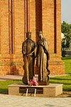 Сарья, памятник св. Петру и Февронии, 2011 г.