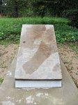 Семково, усадьба: мемориальная плита Адама Хмары