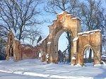 Станьково, усадьба:     брама и сторожка (руины), 1880-90-е гг.